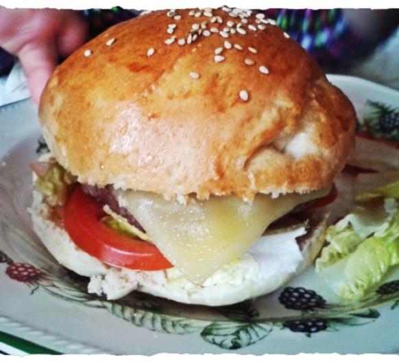 Pan de hamburguesas casero